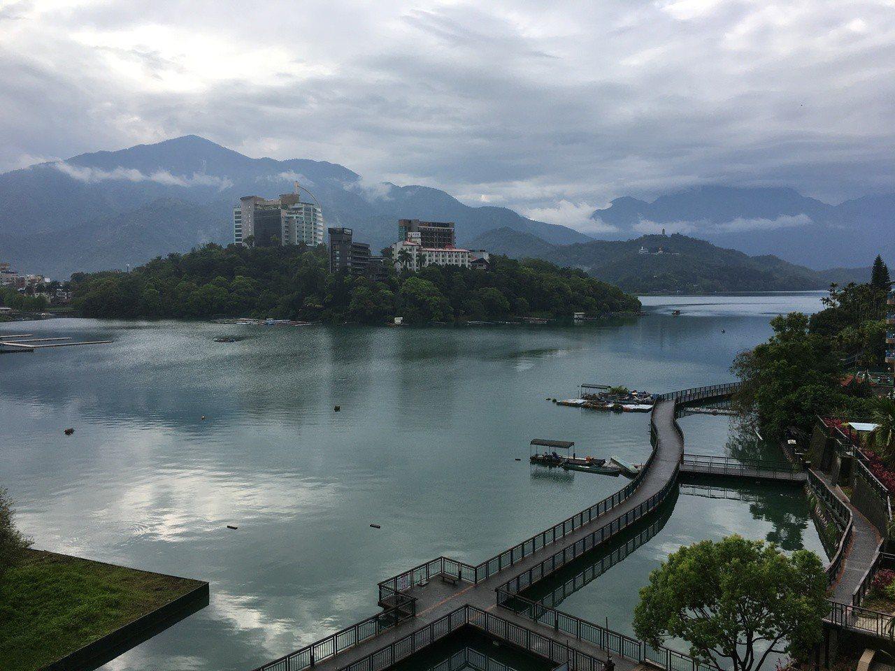 美麗的日月潭,在台灣電力系統中,也具備再生能源的儲能功能。記者江睿智/攝影