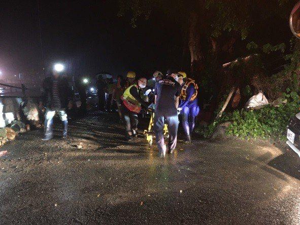 台中市外埔區長生路今晚8點左右發生一起溺水意外。記者余采瀅/翻攝