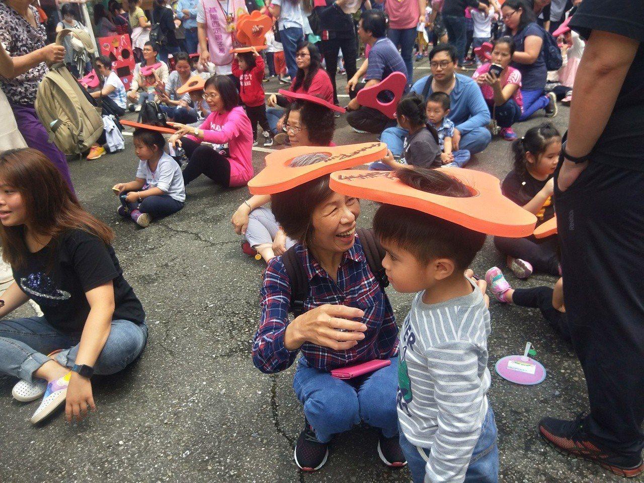 基隆市昨舉辦2019「嬤公孫憶童趣」聯合同樂會。 記者游明煌/攝影