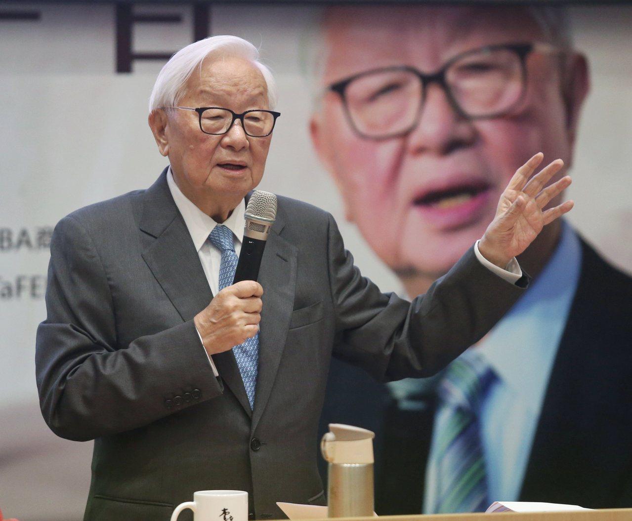 台積電創辦人張忠謀昨天到台大以「我的經營學習」為題發表演講。記者鄭清元/攝影