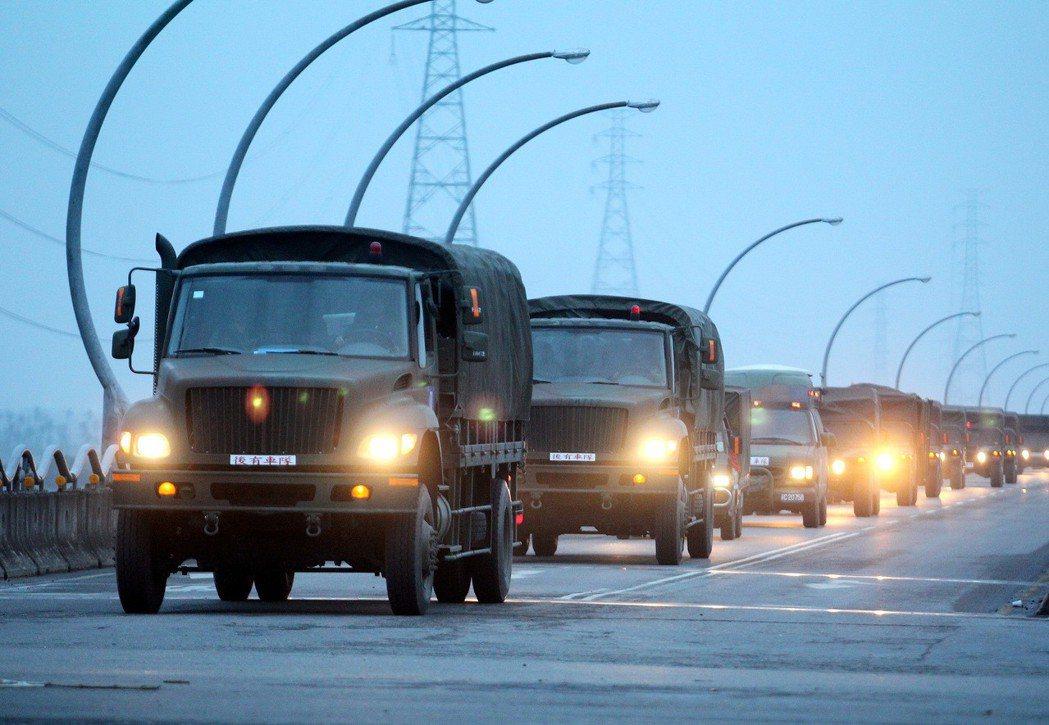 2012年的漢光28號演習,陸軍部隊演練跨區增援。 圖/軍聞社資料照