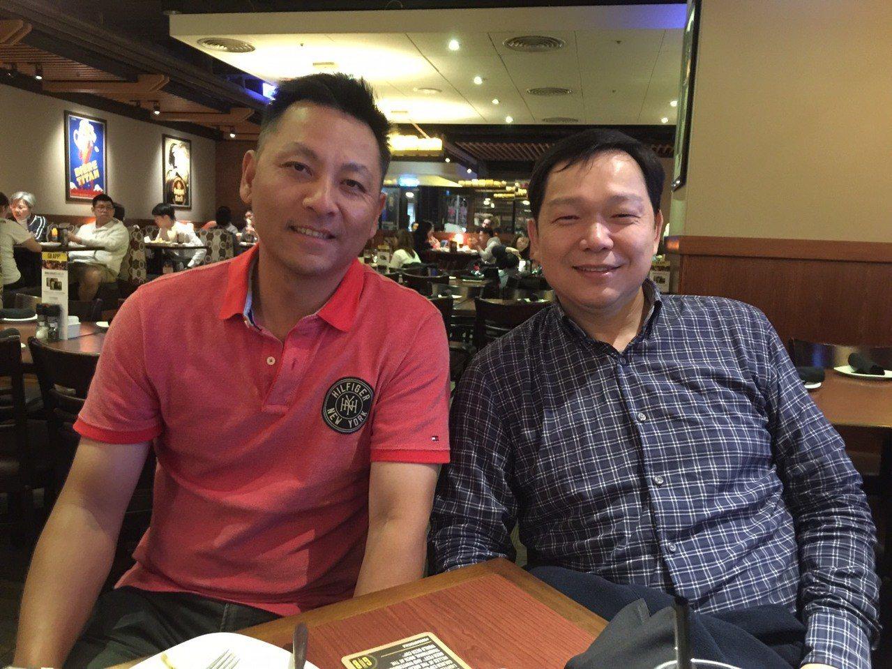 蔡仲南(左)與許德富(右)一直維繫好朋友的關係。 記者黃麗華/攝影