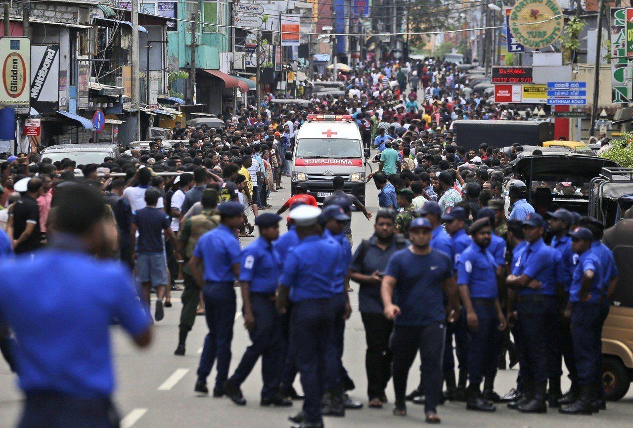 斯里蘭卡發生一連串爆炸案,,目前全國至少已有137人死亡,其中包括9名外籍人士。...