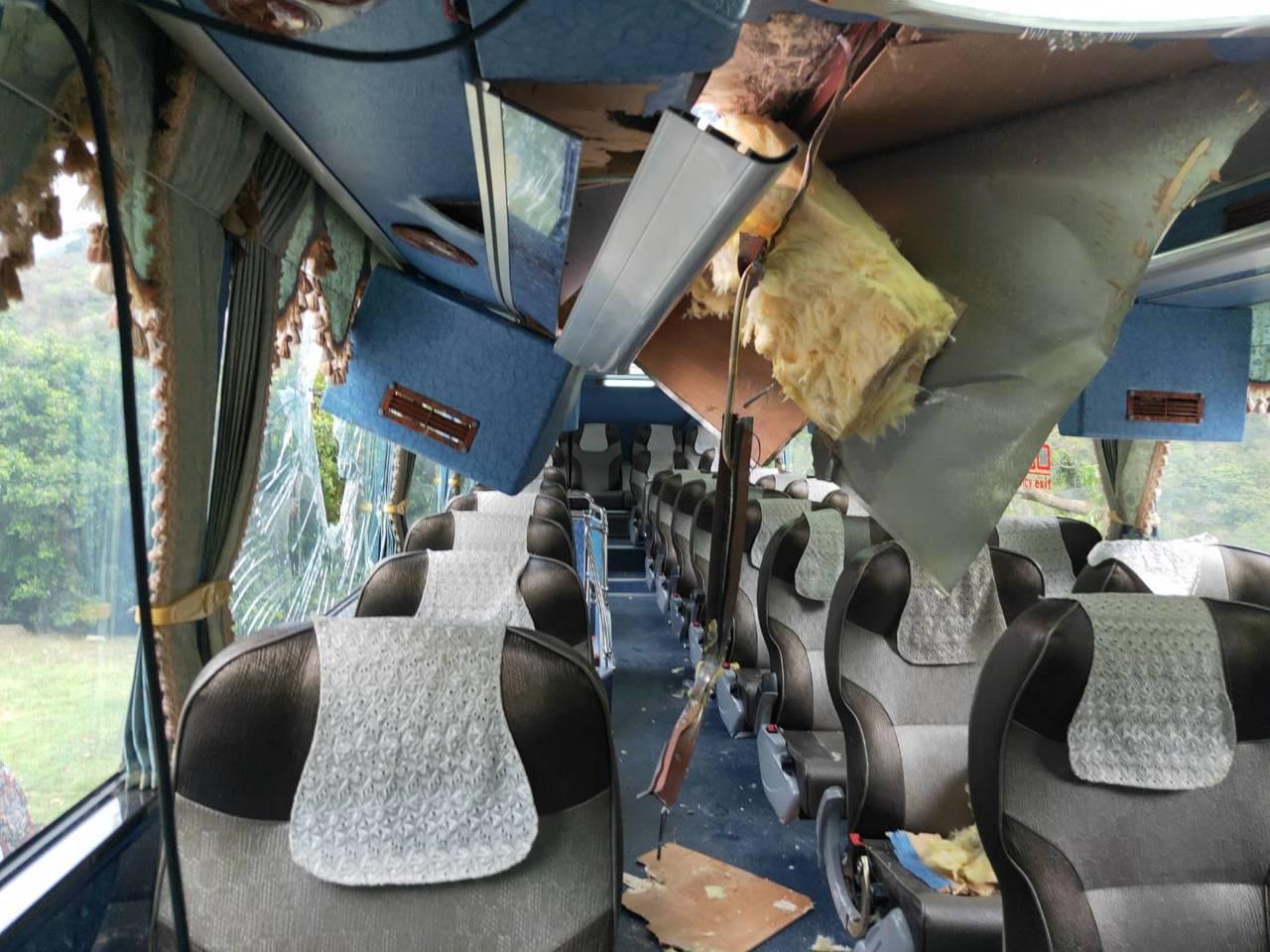 昨日太魯閣國家公園發生落石砸遊覽車事故。圖/新城警分局提供