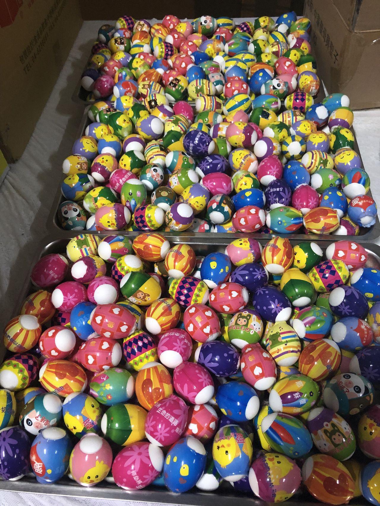 今天復活節,彩蛋是復活節重要象徵,從12世紀開始,歐洲國家人民有互贈復活蛋習俗,...