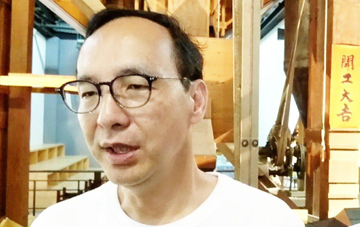 新北市前市長朱立倫今天到台東參訪,上午前往台東池上參觀多力米故事館,他表示,黨中...