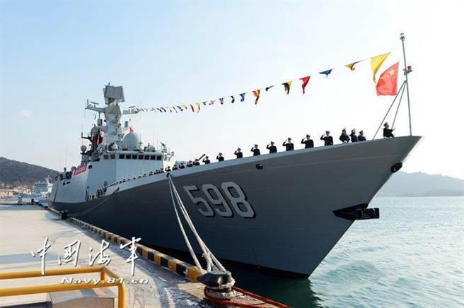中共海軍054A飛彈巡防艦。 中共海軍