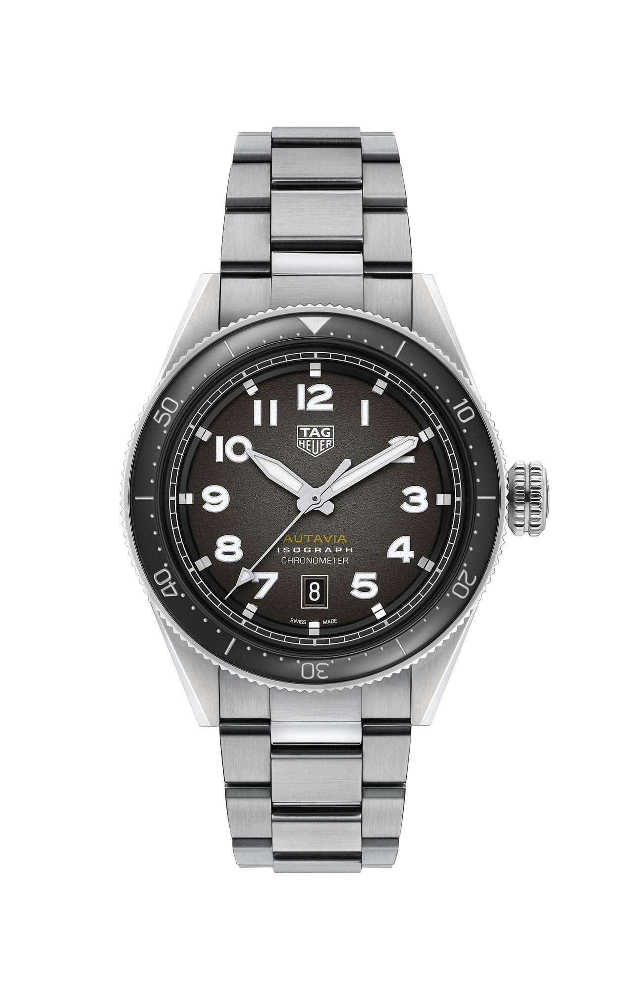 泰格豪雅Autavia系列腕表,不鏽鋼表殼、表鍊,搭配黑色陶瓷表圈,具38小時動...