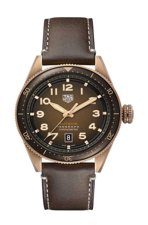 泰格豪雅Autavia系列腕表,青銅表殼搭配棕色陶瓷表圈,具38小時動力儲存,約...