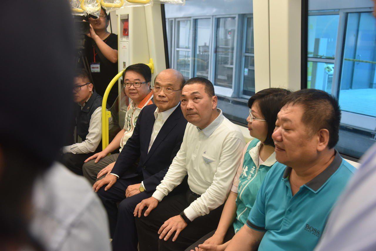 蘇貞昌和新北市長侯友宜到捷運環狀線一期工程與北環段視察情況。記者張曼蘋/攝影