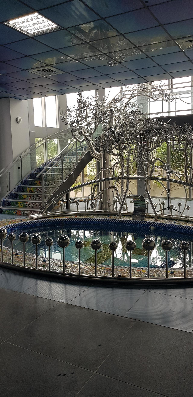 台南安平工業區裡的虹韻文創中心有全台最美洗禮池。記者修瑞瑩/攝影