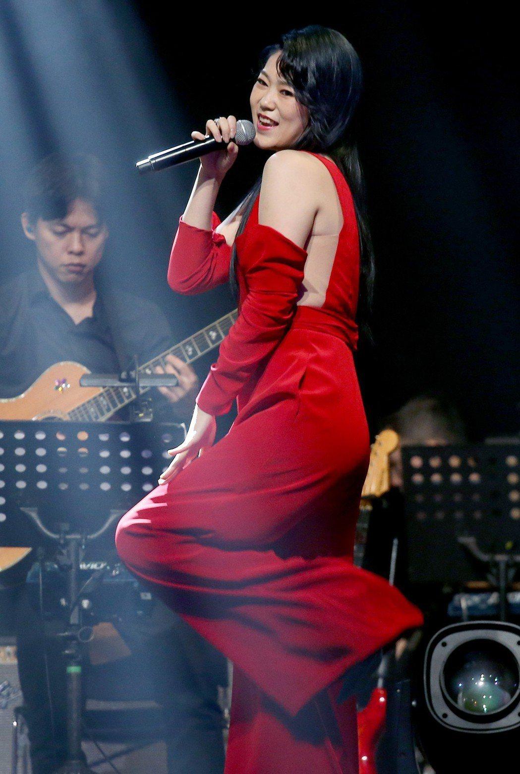 曹雅雯為了演唱會苦練現代舞。記者余承翰/攝影