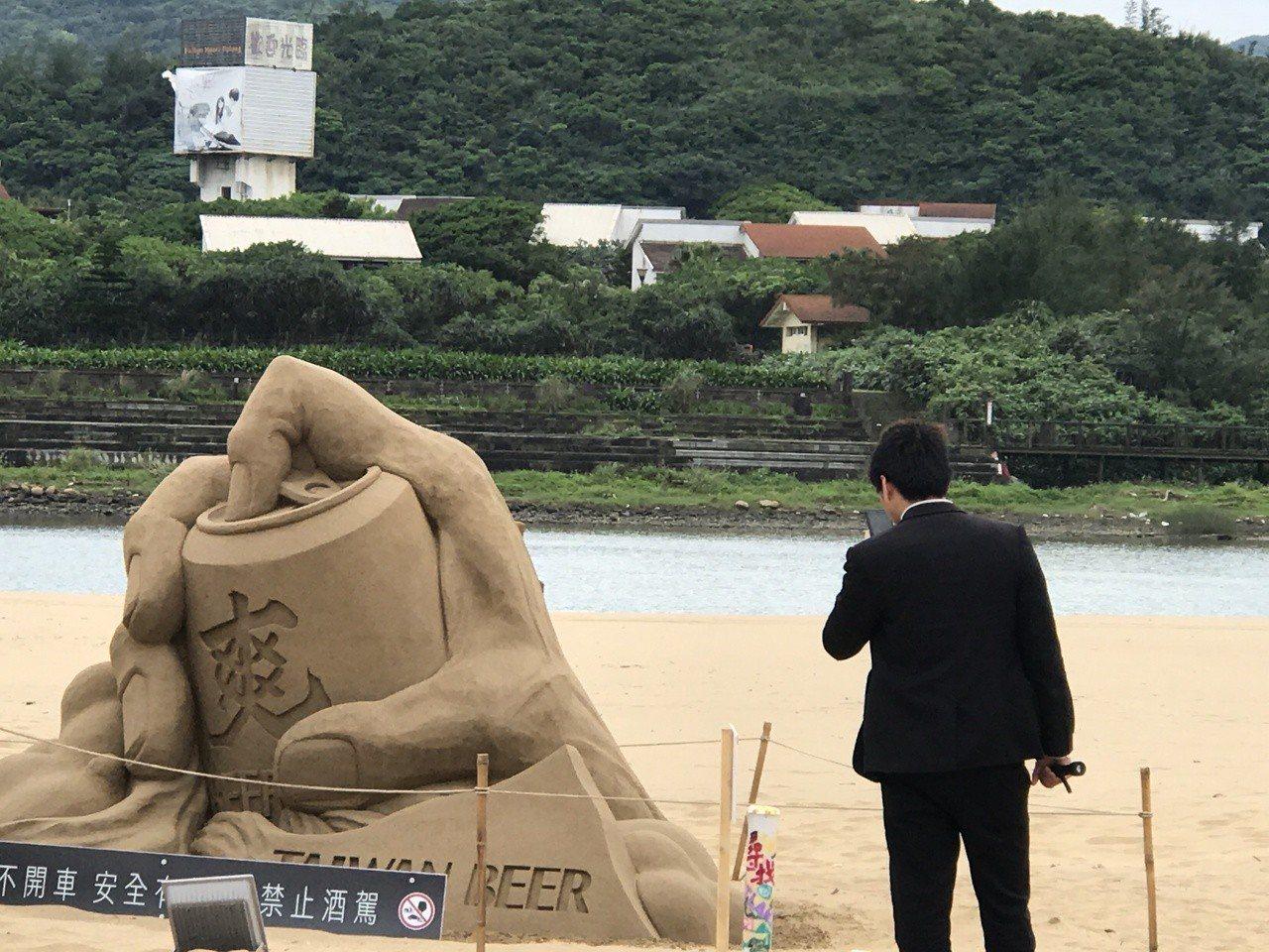 福隆國際沙雕藝術季開幕,有65座沙雕作品,包括失落的古文明亞特蘭提斯。記者吳淑君...