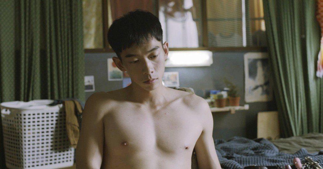 王可元試鏡當天特地扮成小兒麻痹的患者出門。圖/好時光娛樂有限公司提供