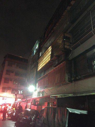 新北泰山區一戶民宅今晚發生2名兒童死亡命案。記者林昭彰/翻攝