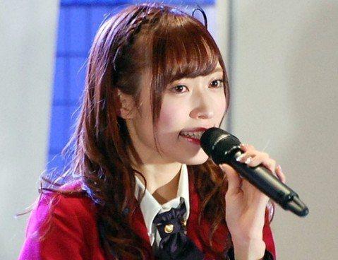 日本AKB48姐妹團NGT48近日風波不斷,成員山口真帆去年底遭兩名男粉跟蹤回家,險些被強暴。她向公司AKS舉報可能被隊友設局,但AKS處理態度消極且慢半拍,在輿論下才對所有成員進行調查。但山口真帆...