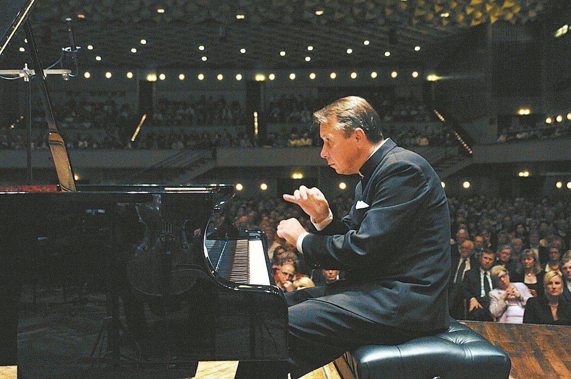 當代傳奇大師普雷特涅夫六月將來台舉辦鋼琴獨奏會。 圖/環球音樂提供