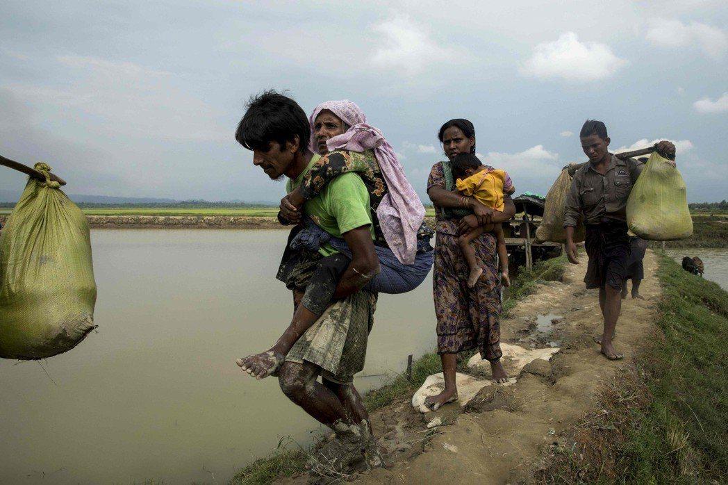 為躲避緬甸政府欺壓,數十萬洛興雅穆斯林在2017年逃往鄰國孟加拉。(法新社)
