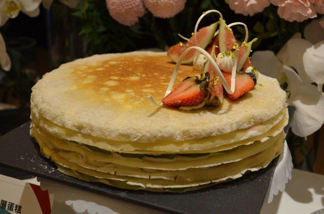 限量客製美味「水果千層蛋糕」。  陳慧明 攝影