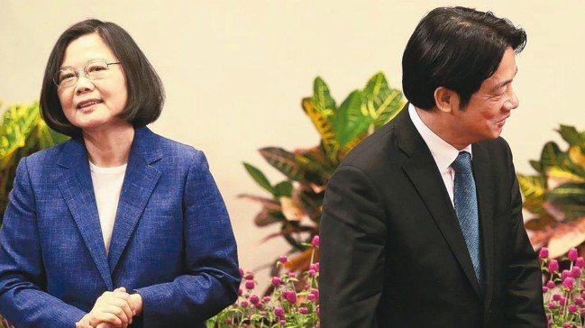 蔡英文總統近日回擊高雄市長韓國瑜與鴻海董事長郭台銘,搶盡版面、網路聲量也提高。對...