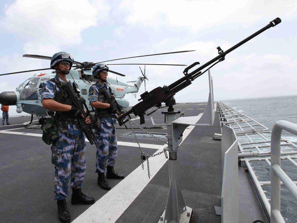 中共解放軍海軍23日在青島舉行成立70週年系列活動。新華社資料照