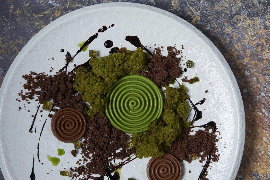 抹茶搭配黑巧克力。CÉ LA VI/提供