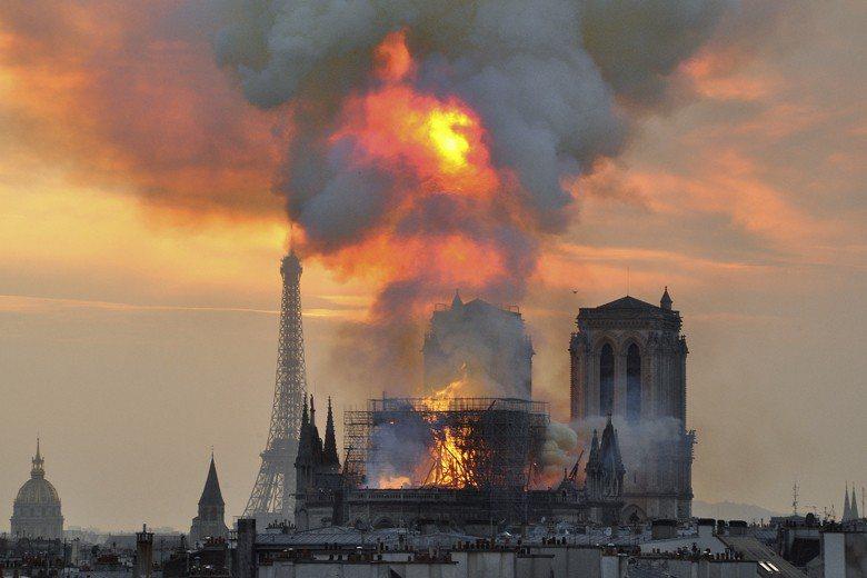 聖母院大火。 圖/美聯社