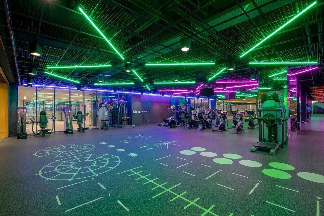 全國首創夜店風運動中心,讓嘉藥生有更多元的休閒健身場地。 嘉藥/提供