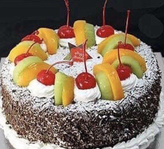 李記一頂好餅家去年生日蛋糕年銷量逾6,000個。 李記一頂好餅家/提供
