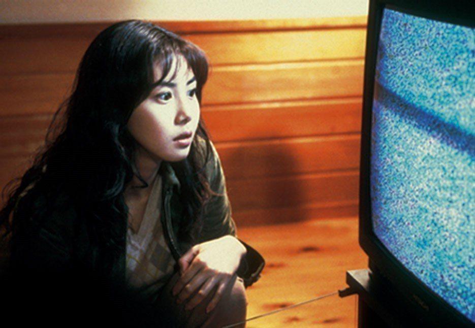 松嶋菜菜子在「七夜怪談」扮演捲入恐怖事件的記者。圖/摘自imdb