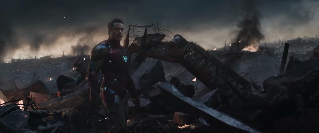 小勞勃道尼飾演的「鋼鐵人」曾在「復仇者聯盟」想要犧牲自己拯救全世界。圖/預告截圖