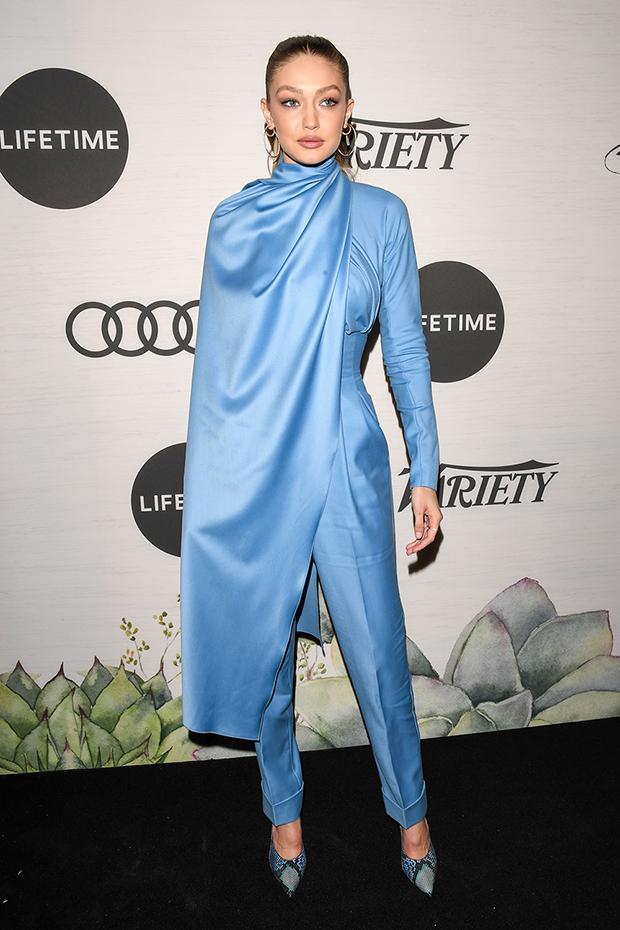 超模吉吉哈蒂德在日前的《Variety》主辦的女性論壇活動中,選穿Emilia ...