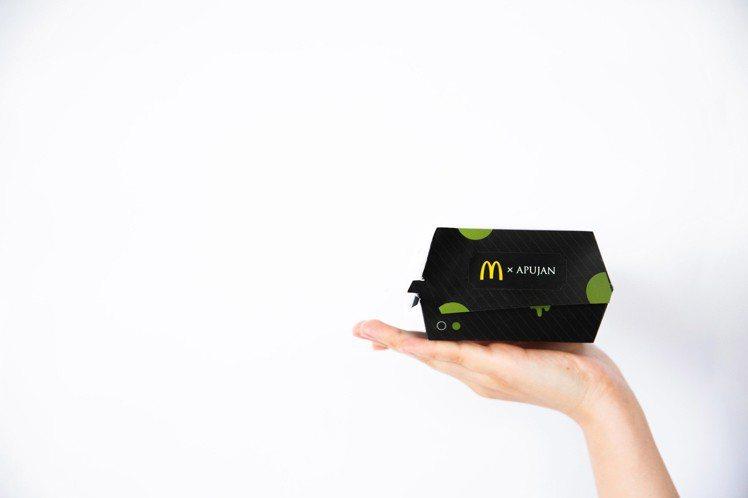 綠堡包裝以黑綠色為主要基調。圖/APUJAN提供