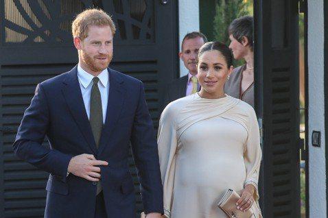甫嫁入英國皇室的梅根馬克爾即將臨盆,對於小孩性別及相關細節,一切保密到家,不讓外界知道,最近更為了調養身體,未能出席英國女王伊莉莎白二世的生日聚會,僅有哈利到場,不過梅根仍不忘透過推特送祝福,希望女...