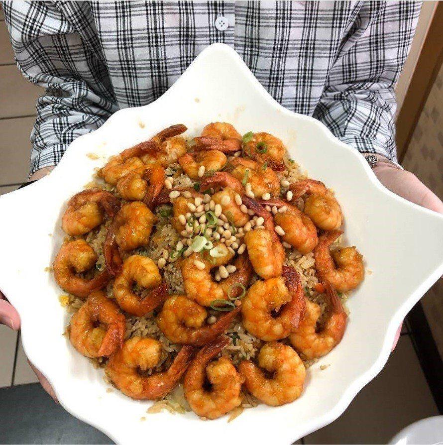 「米香哥蝦仁飯」一在社群出現就造成話題。圖/IG@_yunfood提供