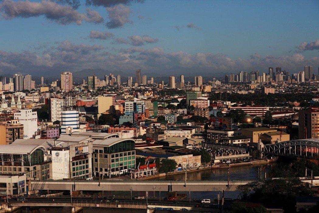 菲律賓呂宋島下午發生規模6.3地震。圖為馬尼拉市區。(路透)