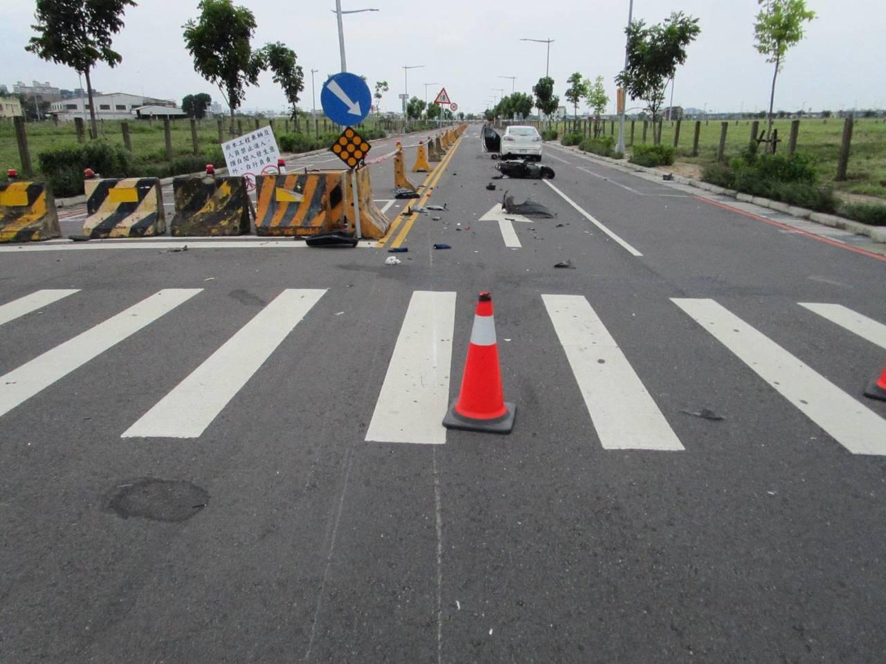 台中市北屯區榮德一街、崇德八路二段昨天上午發生一起車禍,騎車的張姓男子被撞飛到空...