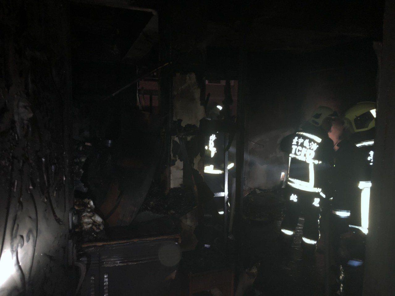 台中市西區華美街今晚8時許傳出火警,獨居的王姓婦人葬身火窟。記者陳宏睿/翻攝