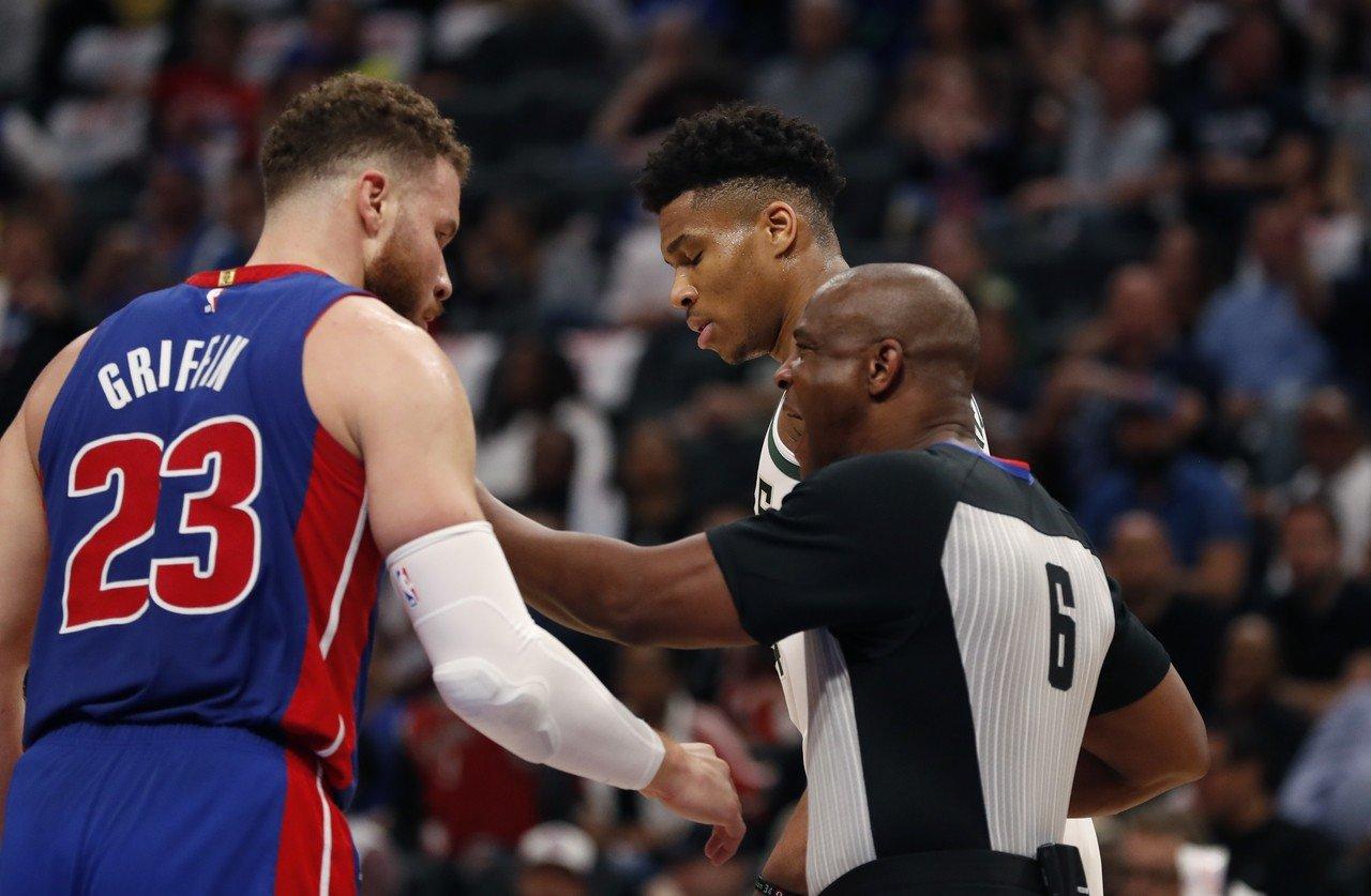 底特律活塞隊23日於NBA季後賽首輪遭橫掃,但外媒認為明年球季仍大有可為。 美聯...