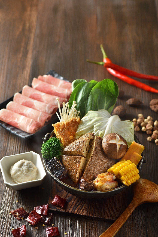 隱藏版菜單「麻辣茶膳鍋」。圖/春水堂提供