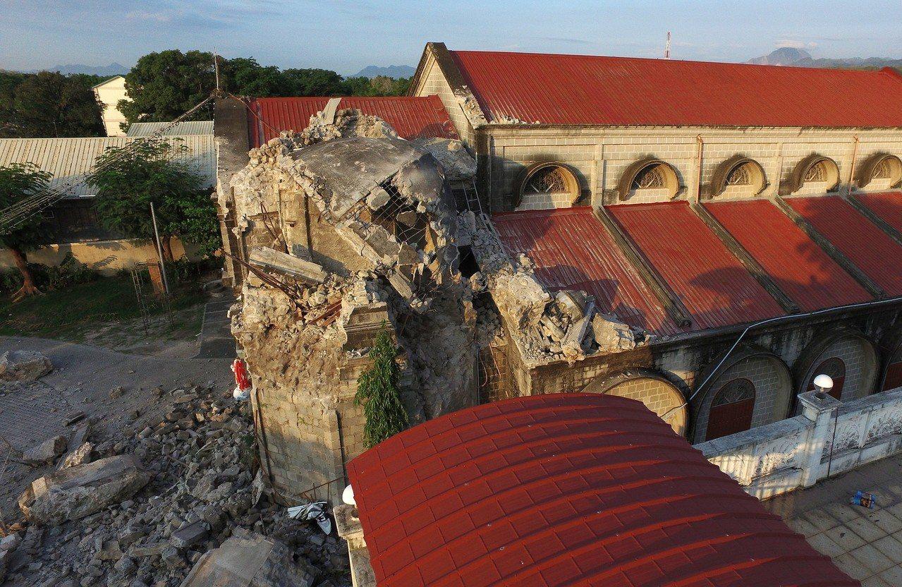 菲律賓呂宋島昨天(22日)發生芮氏規模6.1地震,今天又發生芮氏規模6.2地震,...