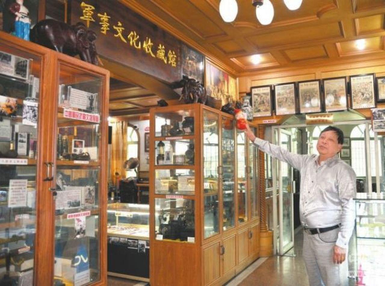 退休船員自掏腰包,建「軍事博物館」。番攝/中山日報