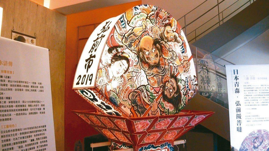 日本大師親手打造的日本花燈車首度參加北港媽祖出巡,今晚將隨藝閣隊伍遊行亮相。 記...