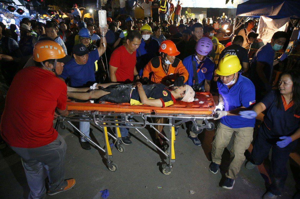 傷亡災情主要集中在馬尼拉大都會西北、潘帕嘉省的波拉克鎮(Porac)。 圖/美聯...