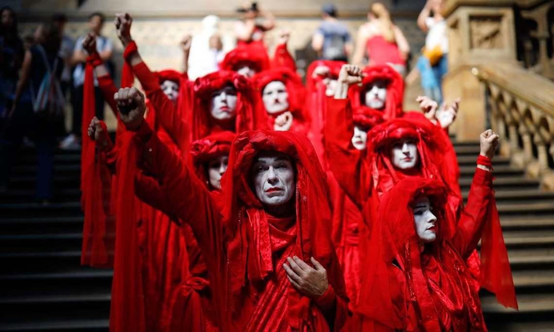 「反抗滅絕」內部有意見認為,要在英國國會結束休會、重返西敏宮之際,將示威戰場移轉...