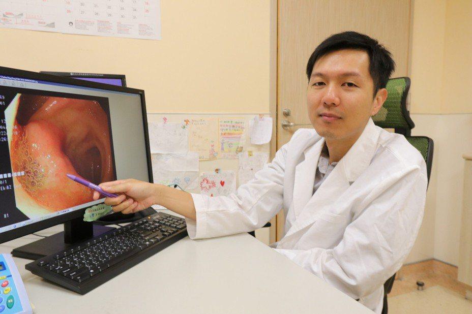 亞洲大學附屬醫院小兒腸胃科醫師陳德慶指出,大腸激躁症的確切原因仍不明朗,可能與腸胃道的蠕動功能失調、腸胃道過度反應、腸道菌叢失衡、精神緊張等有關。圖/亞洲大學附屬醫院提供