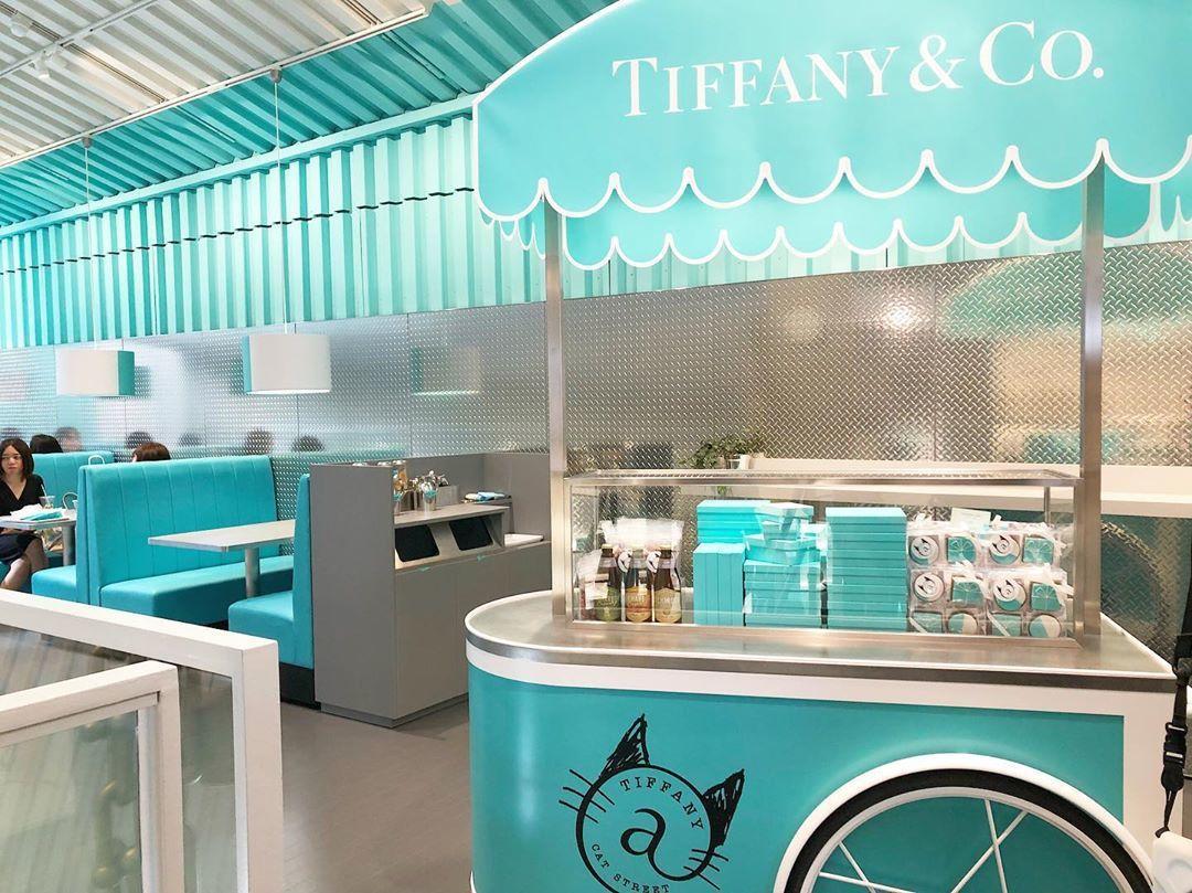 Tiffany @ Cat Street除了有展售部分的皮具、首飾之外,最大的賣...