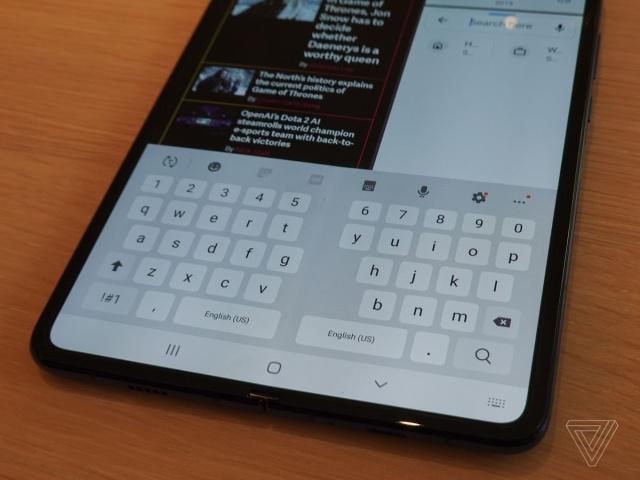 三星Galaxy Fold折疊手機出現螢幕隆起、閃屏、黑屏,甚至手機完全不能使用...