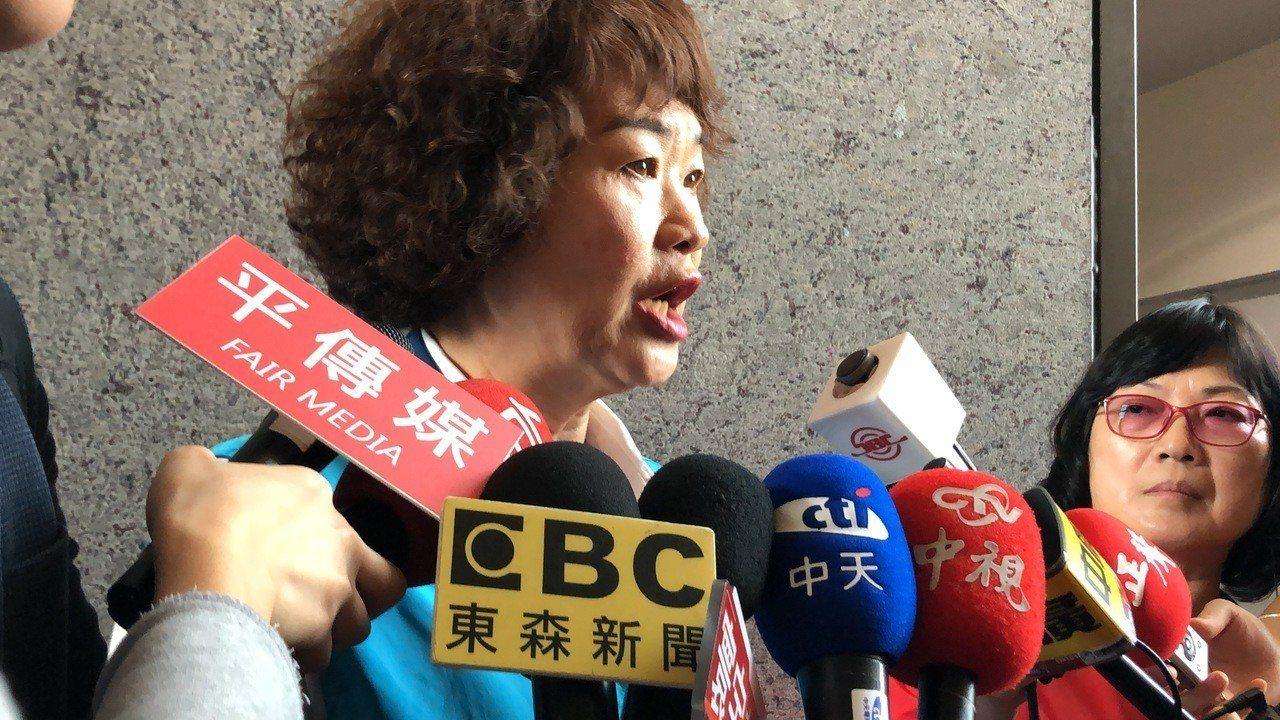 台中市議員李麗華說基層民意非韓不投,國民黨中央要了解民意。記者陳秋雲/攝影