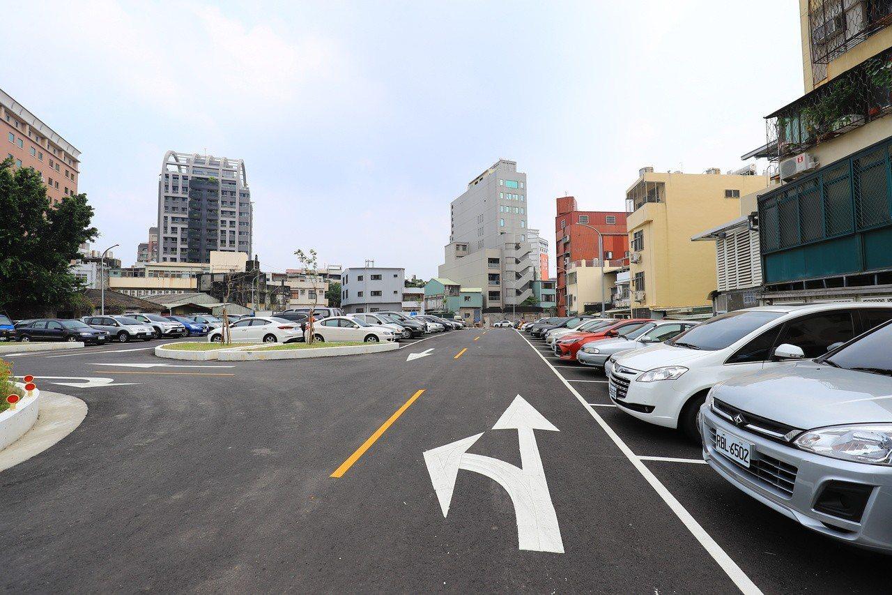 台中市停管處獎勵民間設置路外停車場,20格以上的停車場補助工程經費,從原本的1/...